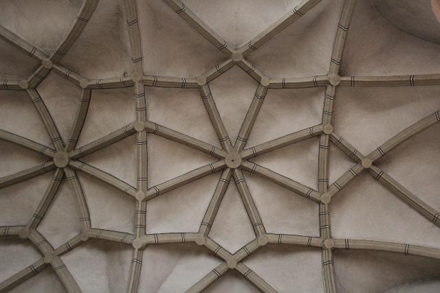 Der Altarraum (Winterkirche) braucht unsere Hilfe.